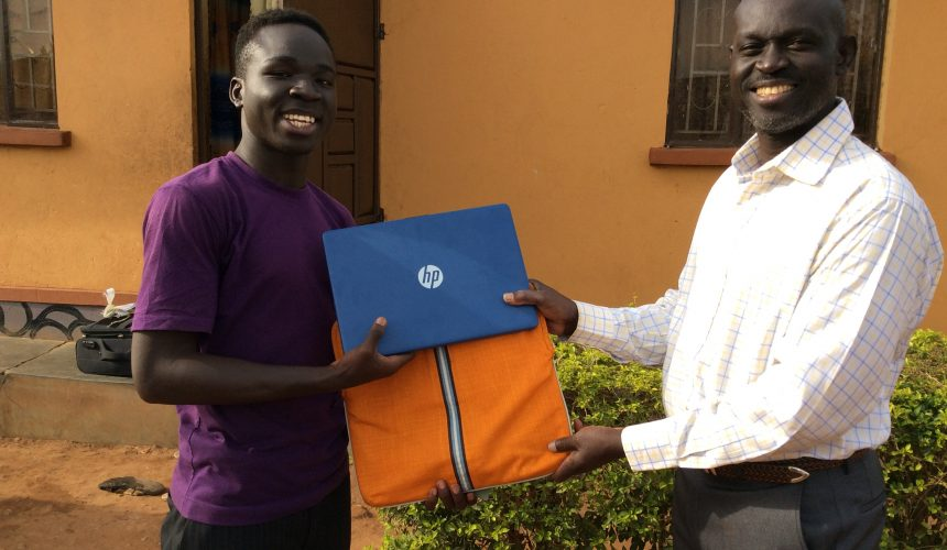 Diploma Students Receive Laptops
