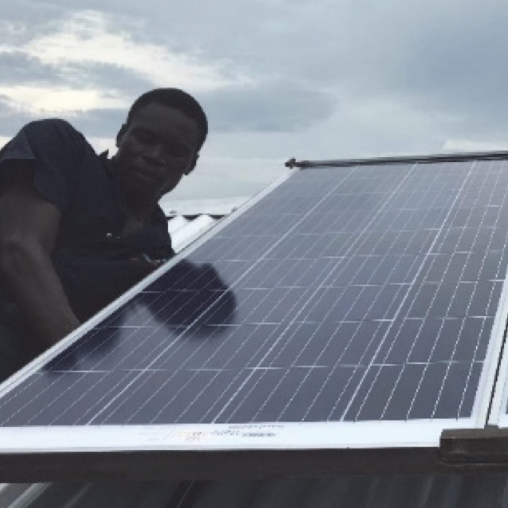 installing-solar-pannels square